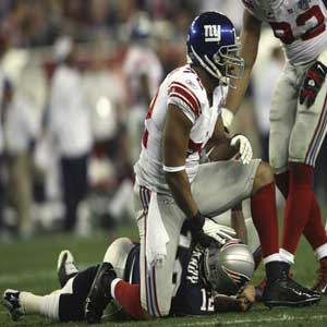 super bowl 2012 osi umenyiora sacks tom brady
